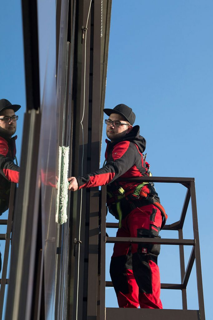 mobiles Equipment für umweltfreundliche Glas- und Fensterflächenreinigung