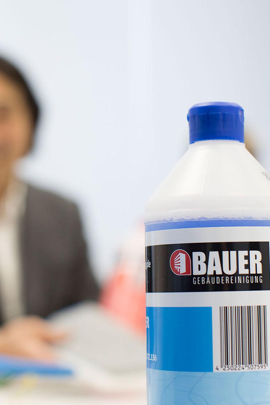 Die Bauer Gebäudereinigung GmbH verwendet umweltverträgliche Reinigungsmittel